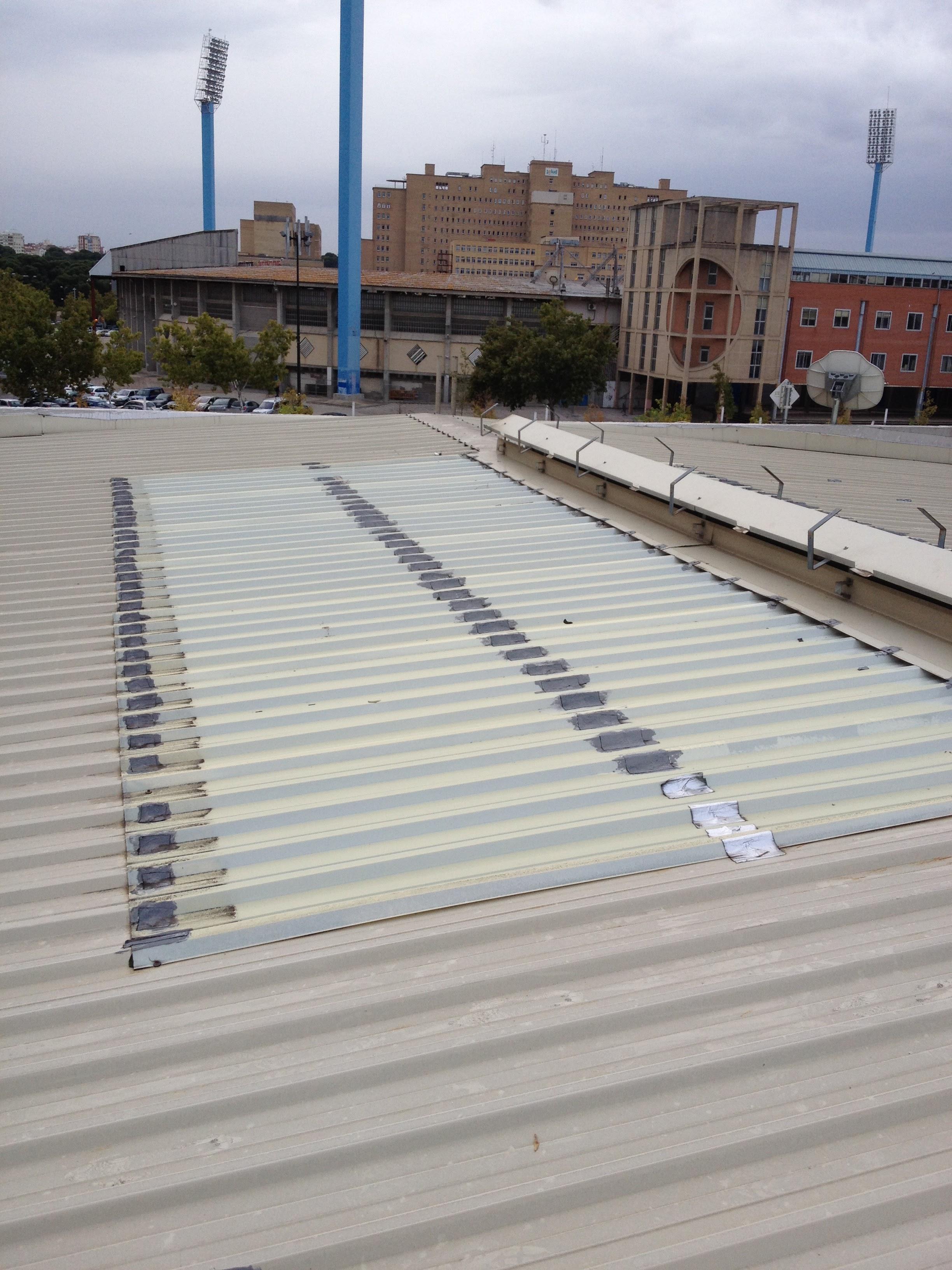 Sustitución de translúcidos en cubierta desmontaje y montaje de aireadores